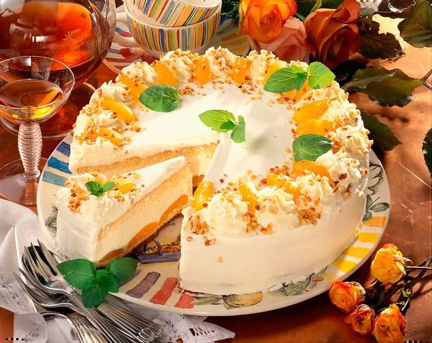 Aprikosen Torte Mit Likor Creme Fraiche Rezept Lecker