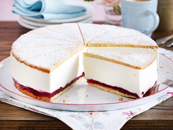 Kase Sahne Torte Mit Preiselbeeren Rezept Lecker
