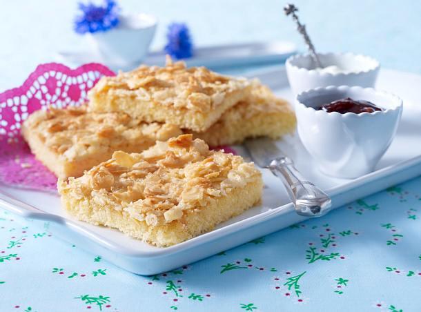 Sahne Mandel Butterkuchen Becherkuchen Vom Blech Rezept Lecker