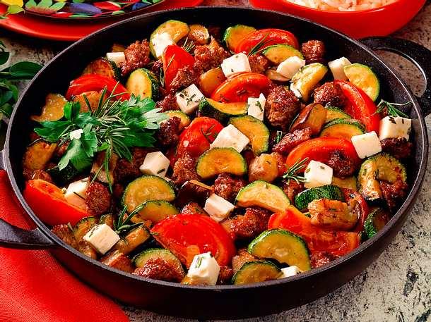 Zucchini-Auberginen-Hackpfanne