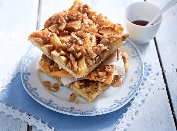 Apfel Walnuss Kuchen Mit Zimtsirup Rezept Lecker
