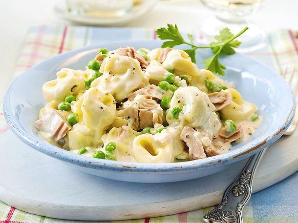 20-Minuten-Tortelloni mit Erbsen und Thunfisch