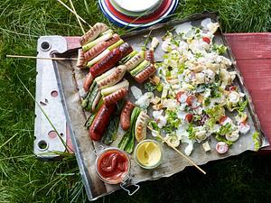 3-Würstchen-Schaschlik mit Nudel-Caesar-Salat Rezept