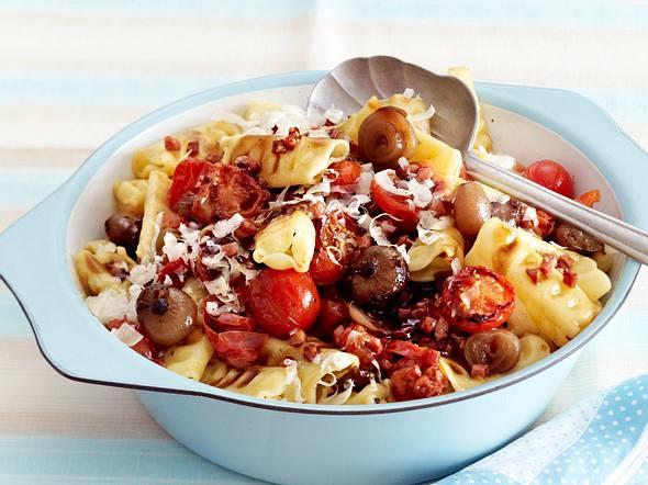 5-Zutaten-Nudeln mit Tomaten Rezept