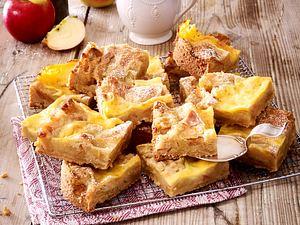 Apfel-Streuselkuchen mit gebackener Vanillesoße Rezept