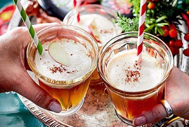 Apfel-Zimt-Punsch mit Sahne Rezept