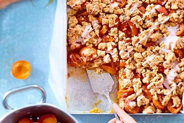 Aprikosen-Prasselkuchen Rezept
