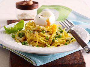 Blitz-Spaghetti mit Erbsen und wachsweichem Ei Rezept