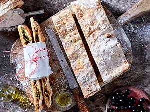 Ciabatta-Calzone mit Brokkoli-Salsiccia-Füllung Rezept