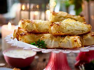 Mitbring-Party – Gefüllte Röllchen mit Chilidip (Börek) Rezept