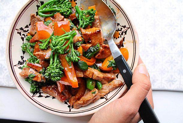 Fixes Stir-fry mit Brokkolini und Paprika Rezept