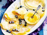 Gefüllte Crêpes mit Heidelbeeren & Lemon curd