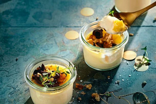 Herzhafter Crème-Brûlée-Flip mit Oliven-Topping Rezept