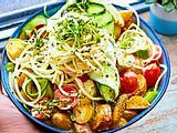 Kartoffel-Gurken-Salat mit Apfelspaghetti Rezept