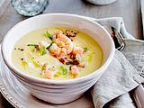 Kartoffel-Pastinaken-Suppe mit Garnelen Rezept