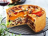 "Kürbis-Feta-Quiche ""Die Internationale"" Rezept"