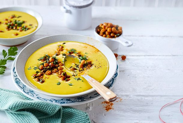 Kurkuma-Kartoffel-Suppe mit Kichererbsen-Croûtons Rezept
