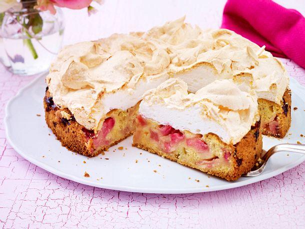 Rhabarberkuchen mit Baiserhaube Rezept