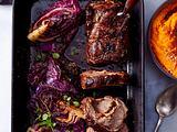 Rotkohl-Herzen zu gefülltem Schweinebraten und Kürbispüree Rezept