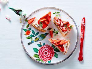 Sahniger Erdbeer-Mandel-Kuchen Rezept