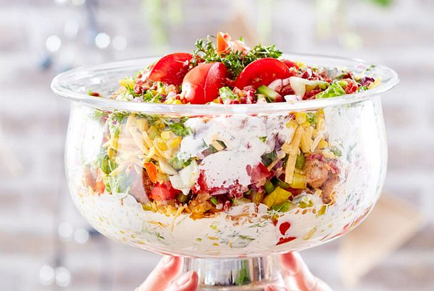 Schichtsalat im Pokal Rezept