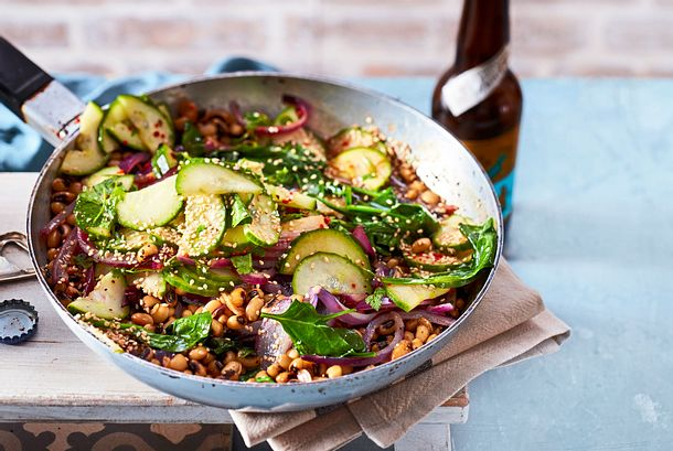 Warmer Tigerbohnen-Salat mit Gurke und Asia-Dressing Rezept