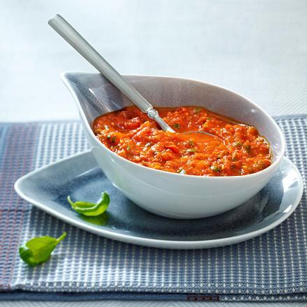 Aiwar-Tomaten-Dip mit Basilikum und Knoblauch Rezept
