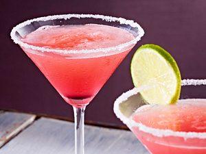Alkoholfreier Cocktail aus Rosa Grapefruit und Limetten Rezept