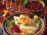 Amaretto-Mandeleis mit Blätterteigblüten Rezept
