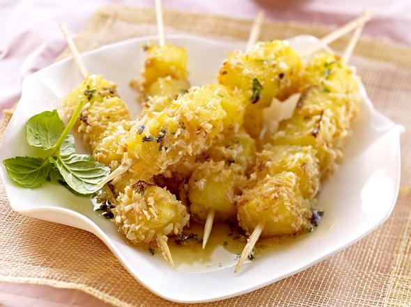Ananas-Kokos-Spieße mit Lavendelsirup Rezept