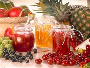 Ananas-Nektarinen-Konfitüre mit Zitronenmelisse Rezept