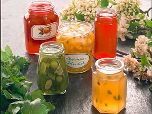 Ananas-Pfirsich-Konfitüre mit grünem Pfeffer Rezept