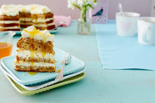 Ananas-Rüebli-Torte mit Orangensirup Rezept
