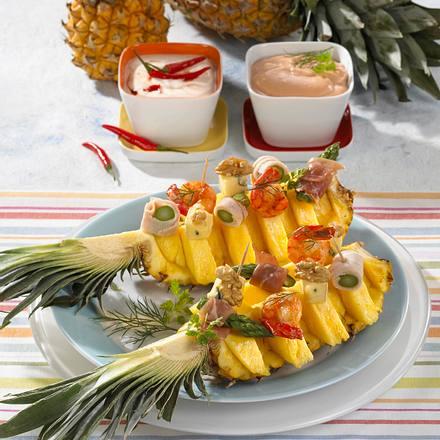 Ananas-Schiffchen mit Dip Rezept