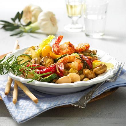 Antipasti-Salat mit Garnelen Rezept