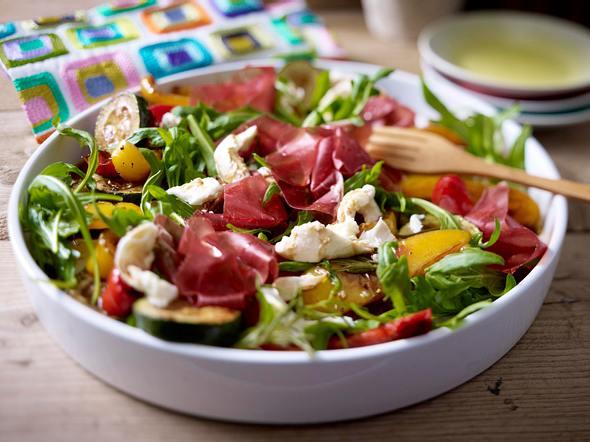 Antipastisalat mit Bündner Fleisch Rezept