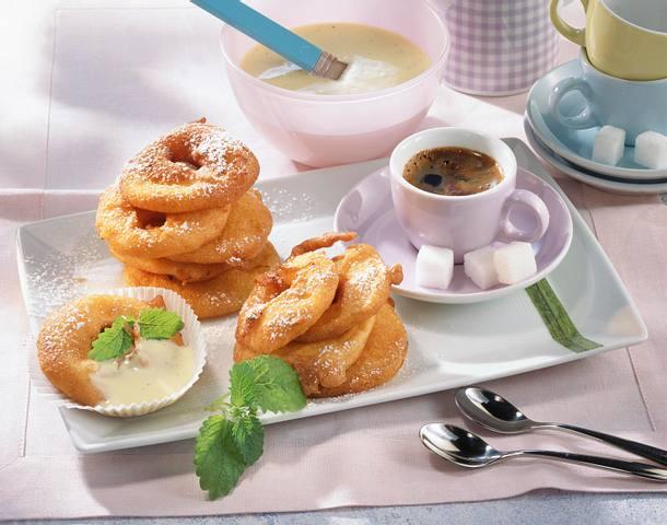 Apfel-Beignets mit Vanille-Soße Rezept