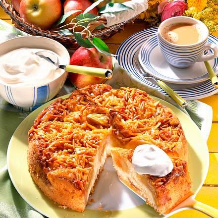 Apfel-Bienenstich-Kuchen Rezept