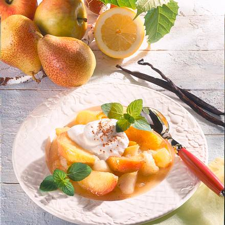 Apfel-Birnen-Kompott mit Zimtquark Rezept