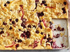 Apfel-Brombeer-Kuchen vom Blech Rezept