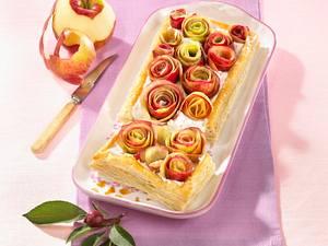 Apfel-Buttermilch-Blätterteigstreifen Rezept