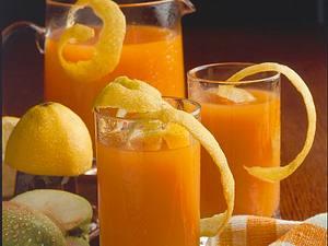 Apfel-Karotten-Getränk aus frischen Äpfeln und Karotten Rezept