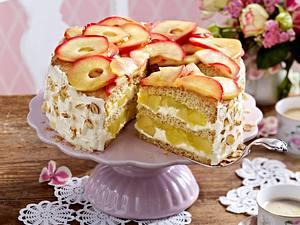 Apfel-Nusstorte mit Eierlikörcreme Rezept