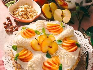 Apfel-Nusstorte mit Mascarponecreme Rezept