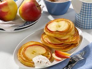Apfel-Pancakes mit Zimt und Zucker Rezept