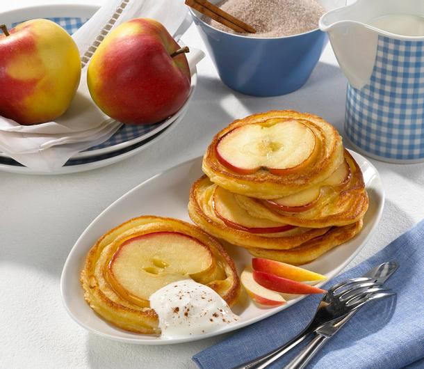 apfel pancakes mit zimt und zucker rezept lecker. Black Bedroom Furniture Sets. Home Design Ideas