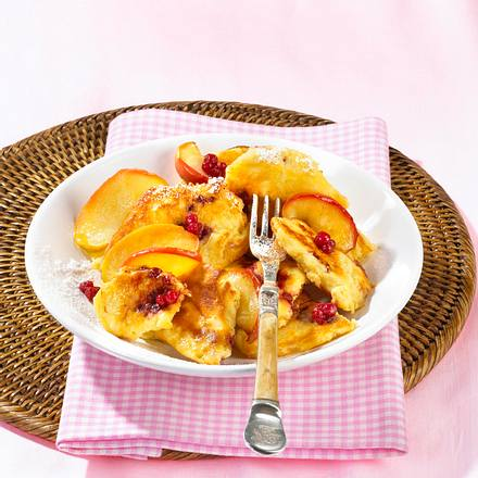 Apfel-Preiselbeer-Schmarrn Rezept