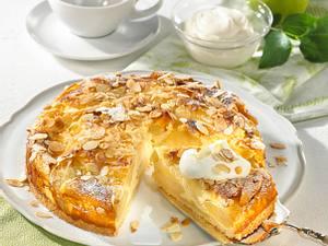 Apfel-Rahmkuchen mit Mandelkruste Rezept