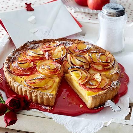 Apfel-Rosenkuchen mit Frischkäse-Vanillecreme Rezept