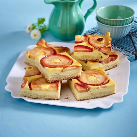 Apfel-Schmand-Kuchen vom Blech Rezept